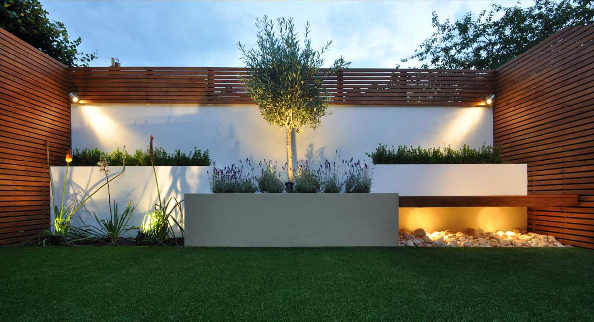 Garden designers and landscapers in london bamboo - Terraza con cesped artificial ...