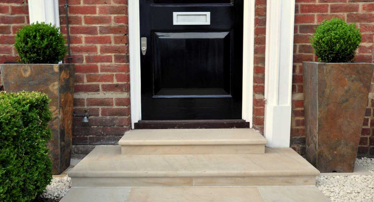 3 elegant front entrancejpg - Front Garden Ideas London