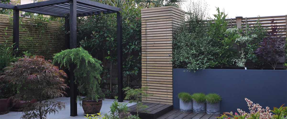 Contemporary japanese garden design clapham london for Japanese decking garden